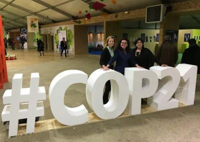 COP21_Paris_5dec_Karine-Casault_Lorraine-Simard_Nancy-Bobbish
