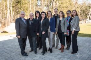 Gauche à droite Hans Gruenwald, Maire de Rigaud, Réal Brazeau, ex-maire de Rigaud, Chantal Lemieux, vice-présidente provinciale et co-fondatrice du Comité 21, Lorraine Simard, Secrétaire générale et co-fondatrice du Comité 21, Karine Casault, Trésorière et co-fondatrice du Comité 21, Agnès Rossignol, Administratrice du Comité 21 Québec, Fabien Durif (Ph.D),Conférencier invité et Mentor au Comité 21, Tima Gros et Pascale St-Germain, bénévoles.